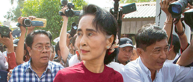 Rohingyas : Aung San Suu Kyi sort du silence sous la pression internationale - Le Point