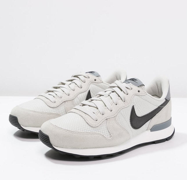 lowest price f0fdb 23686 Nike Sportswear INTERNATIONALIST Baskets basses light bone black cool grey,  Baskets Femme Zalando