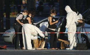 Champs-Elysées: Adam D. aurait averti des médias avant de passer à l'acte - 20minutes.fr