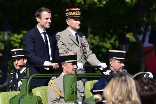 Une crise majeure ouverte entre Macron et l'armée - Le Monde