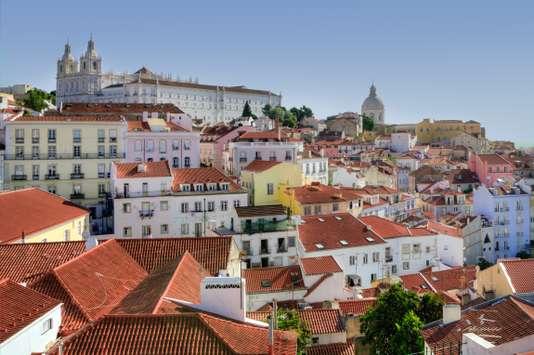 Un incendie fait cinq blessés, dont deux Français, à Lisbonne - Le Monde