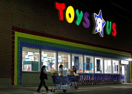 """Le géant des jouets Toys """"R"""" Us se déclare en faillite"""