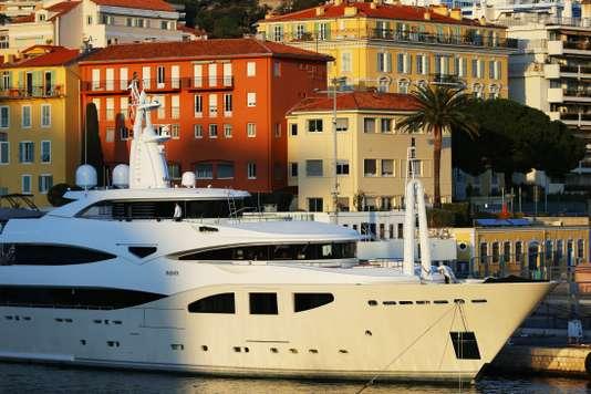Yachts, bijoux… Richard Ferrand propose de taxer les biens de luxe