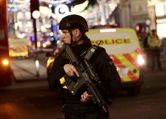 Un attentat contre Theresa May déjoué - Le Monde