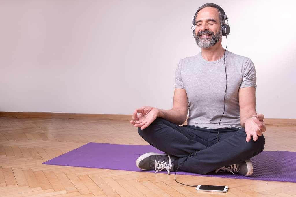 Méditation, jeux vidéo : les nouvelles techniques pour mieux vieillir