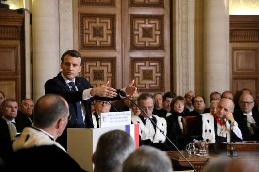 Emmanuel Macron souhaite finaliser la réforme des retraites en2019