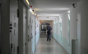 Loire: Deux détenus arrêtés au cours de leur évasion de la prison «à failles» de La Talaudière - 20minutes.fr