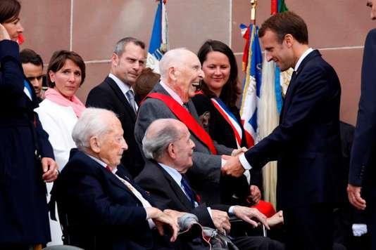 Le président Macron, le résistant et le trublion