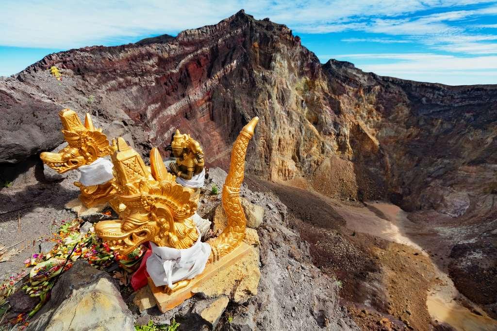 Éruption du volcan Agung : l'aéroport de Bali à nouveau perturbé