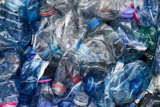 Le gouvernement annonce un système de bonus-malus pour favoriser le plastique recyclé