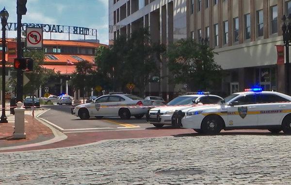 États-Unis : fusillade meurtrière dans un tournoi de jeux vidéo à Jacksonville, en Floride