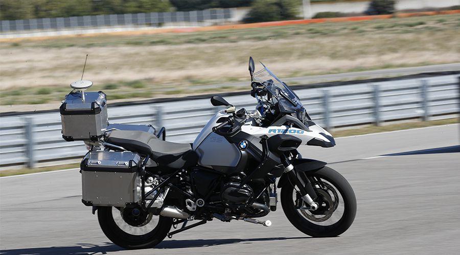 Moto autonome: BMW Motorrad enlève le pilote
