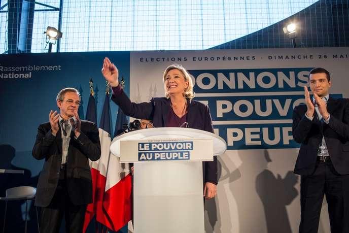 Européennes: dans le Vaucluse, Marine Le Pen enfile son «gilet jaune» pour son premier meeting