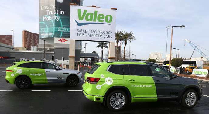 Au CES, bataille d'équipementiers pour la voiture du futur