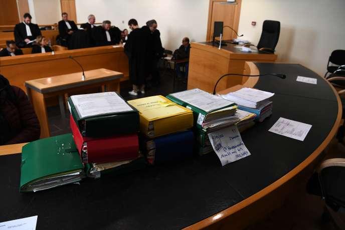 Soupçons de corruption : à peine ouvert, le procès Bourbon est reporté
