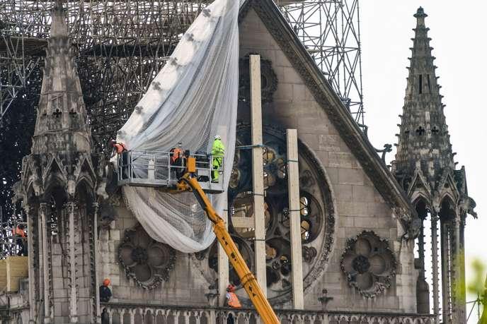 Les collectivités locales rivalisent de générosité après l'incendie de Notre-Dame