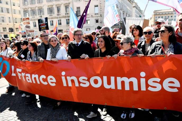 Les «insoumis» se dotent d'un «laboratoire d'idées» pour bâtir une «alternative» à Macron