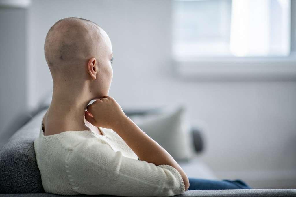 Le cancer touche de plus en plus de femmes en France