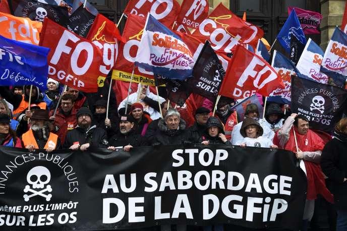 Bercy: les syndicats lancent la mobilisation contre la réorganisation des services des impôts