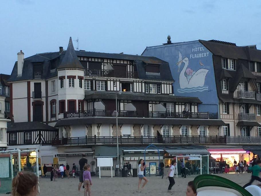 Airbnb, Location Appartement + Terrasse de 20m2 Face à la Mer à Trouville-sur-Mer