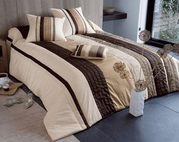 jet de lit becquet sur iziva. Black Bedroom Furniture Sets. Home Design Ideas