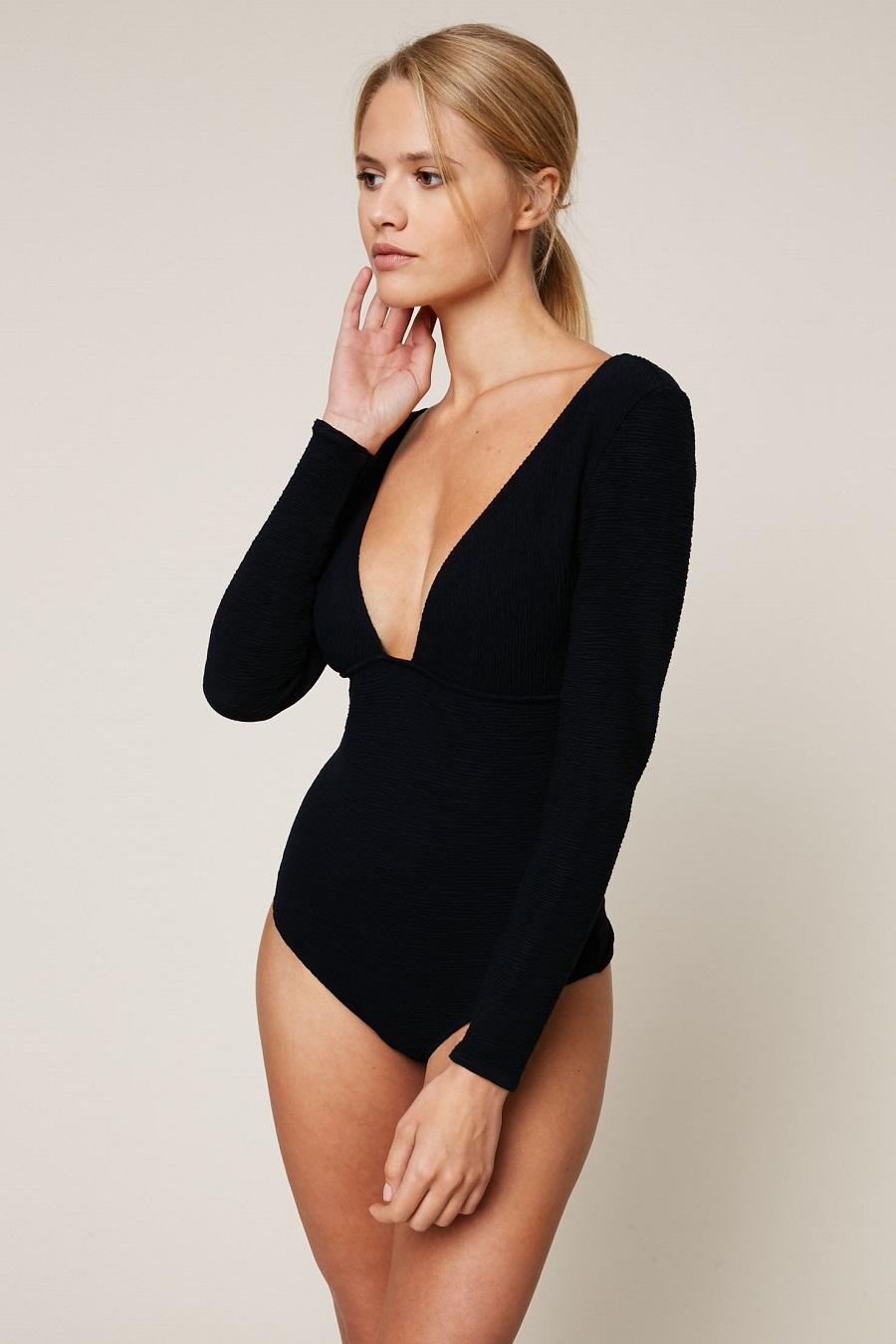 noo underwear body en maille c tel e bleu marine body monshowroom. Black Bedroom Furniture Sets. Home Design Ideas