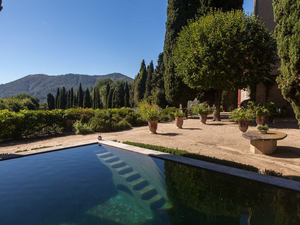 Abritel Location Contes - Château Enchanteur dans de magnifiques jardins