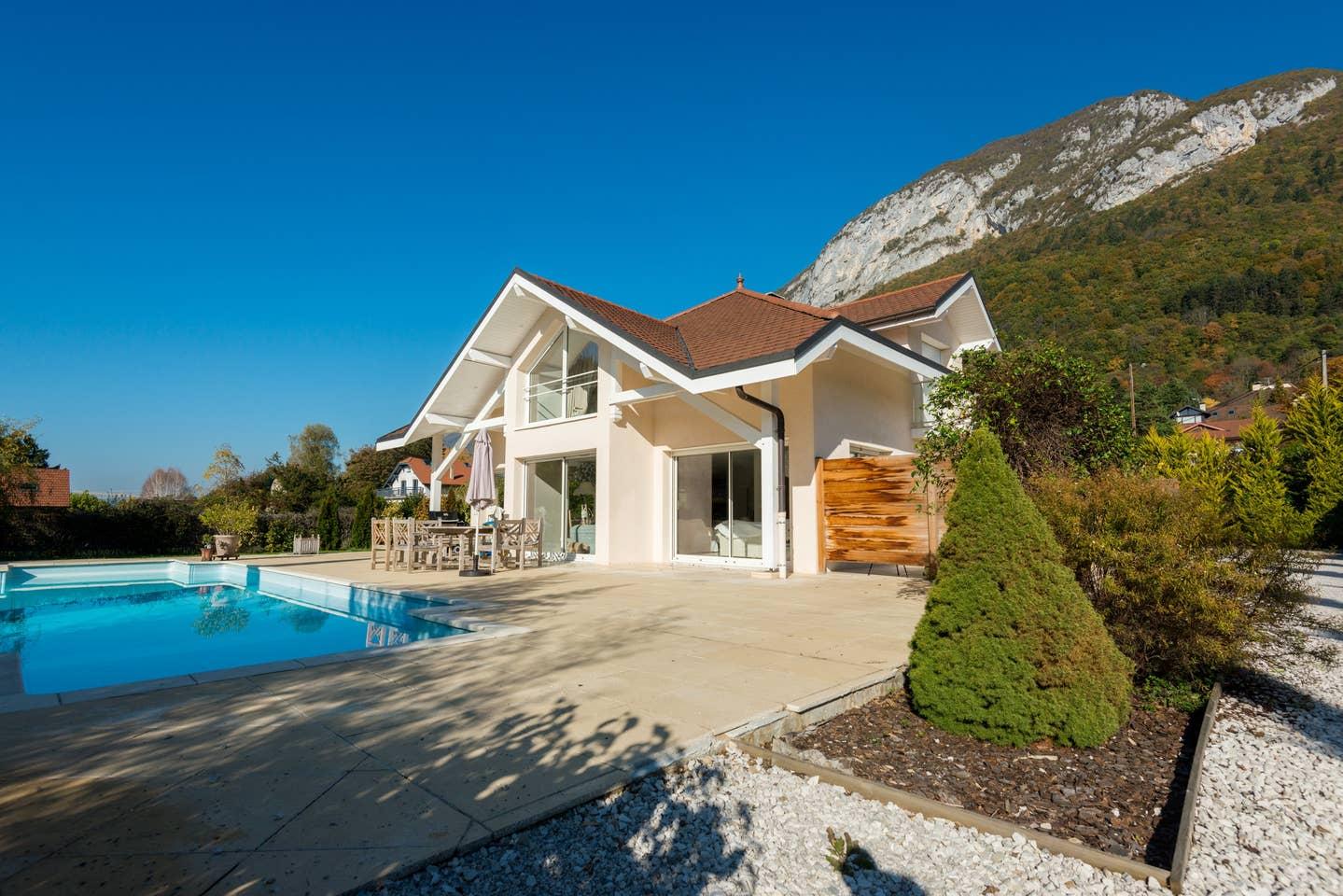 Airbnb - Studio au Bord du Lac d'Annecy à Veyrier-du-Lac en Haute-Savoie