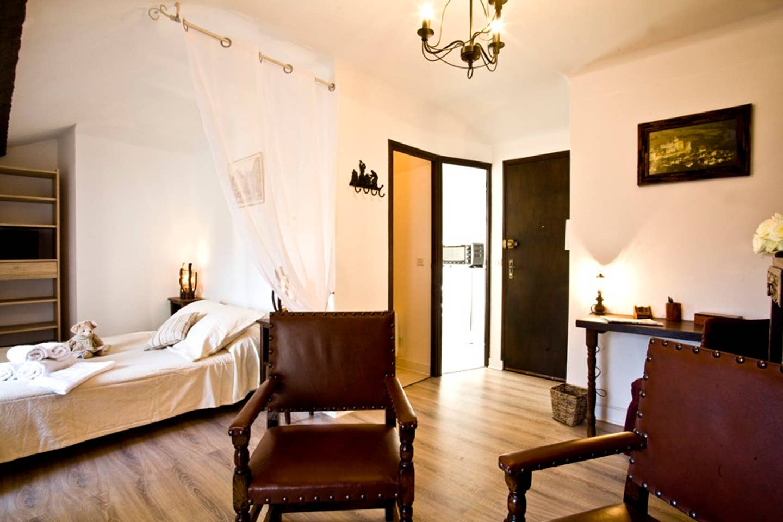 Airbnb - Location Studio Beauvau centre historique à Sarlat-la-Canéda en Dordogne