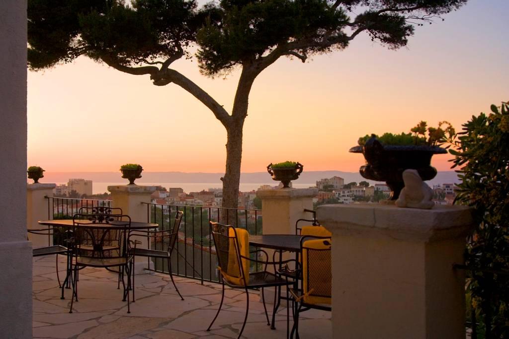 Location Studette de Charme B&B à Marseille vue sur mer