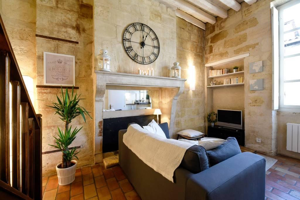 Airbnb, Location T1 Bis au coeur du vieux Bordeaux