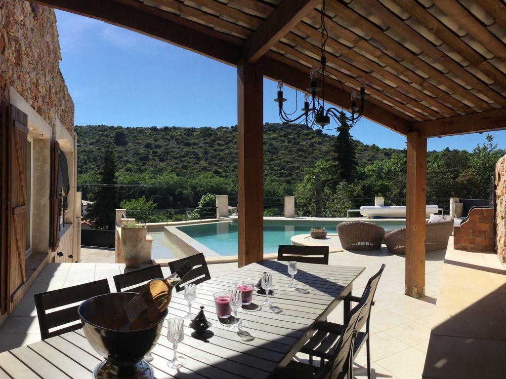 Abritel location la turbie villa piscine chauff e 26 9 for Cuisine exterieure monaco