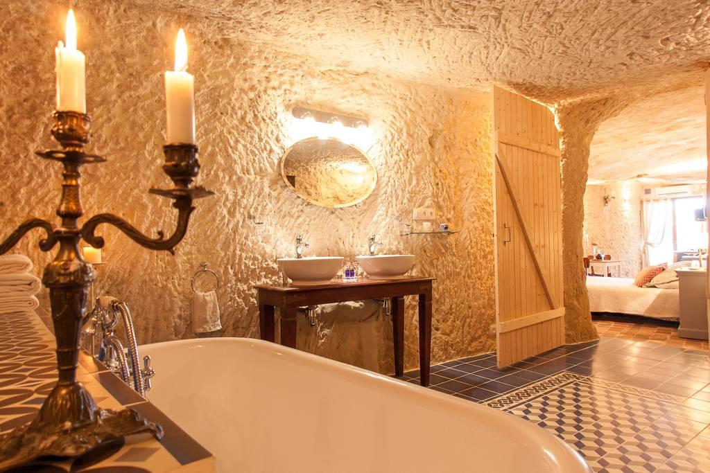 Airbnb - Location Amboise Troglodyte à Nazelles-Négron dans le Val de Loire