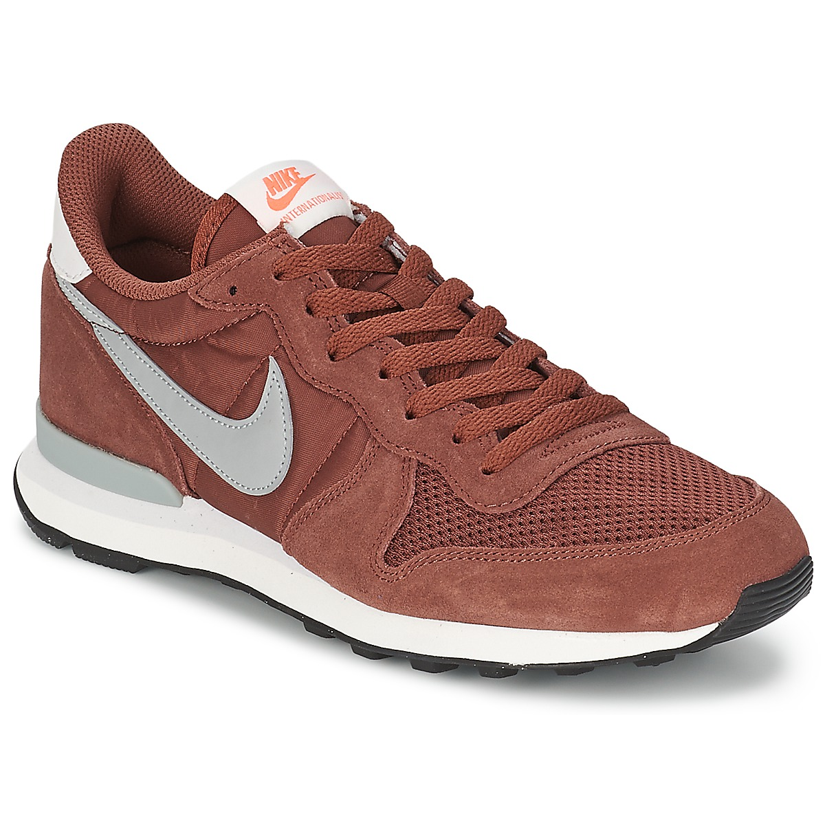 quality design 9491c 14fd0 Baskets basses Nike INTERNATIONALIST Bordeaux - Baskets Homme Spartoo   (Mode)  Spartoo Baskets basses Nike INTERNATIONALIST Bordeaux Baskets  basses Nike ...