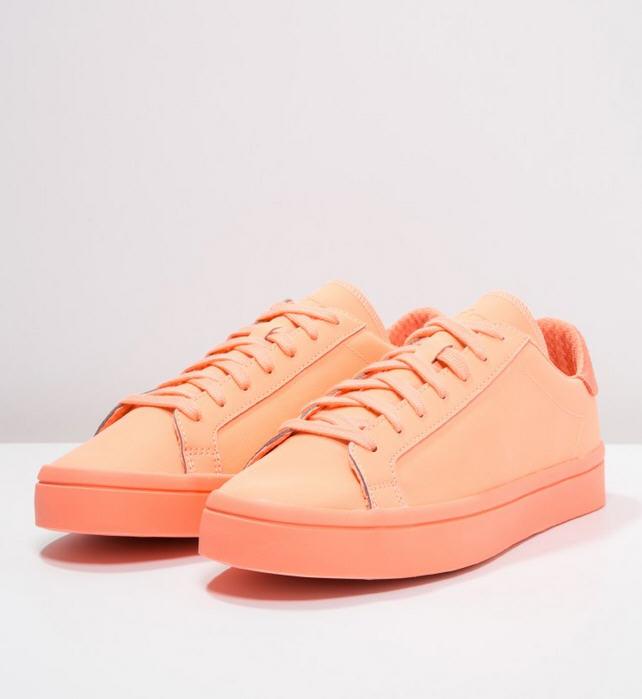Adidas Originals COURT VANTAGE ADICOLOR Baskets basses sun ...