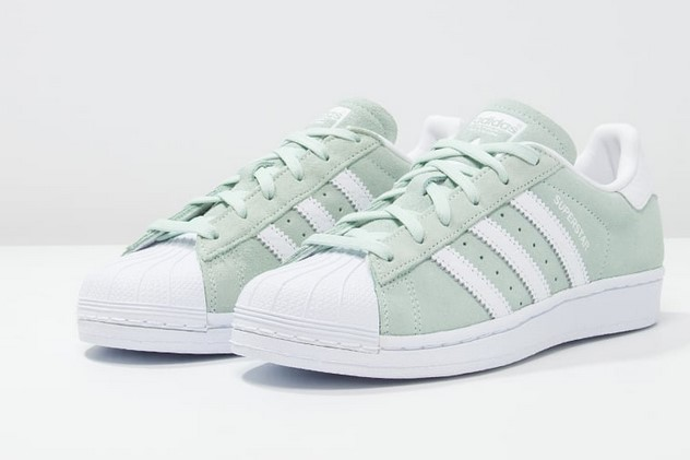 adidas originals superstar baskets basses white super collegiate baskets femme zalando. Black Bedroom Furniture Sets. Home Design Ideas