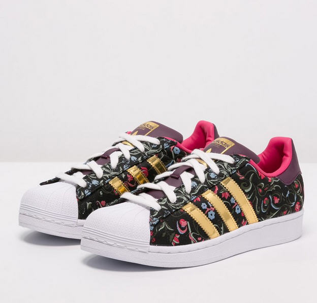 Adidas Originals SUPERSTAR Baskets basses core black/gold ...