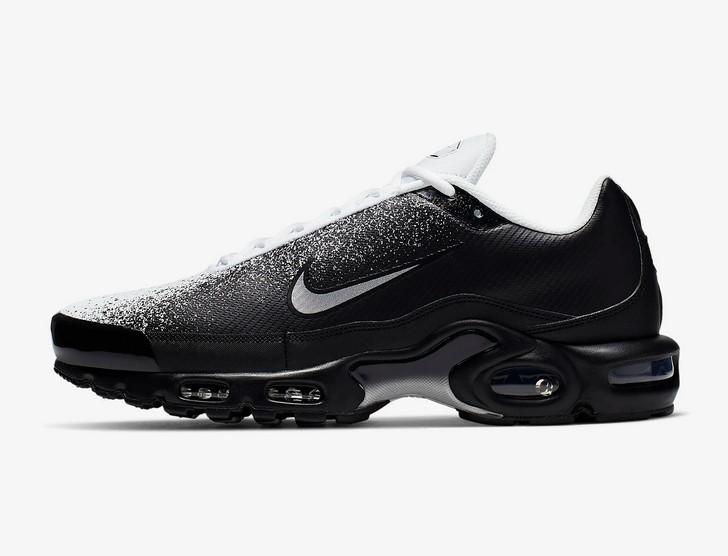 premium selection 71218 abfb4 Nike Air Max Plus Tn SE Noir/Blanc/Argent métallique pas cher ...