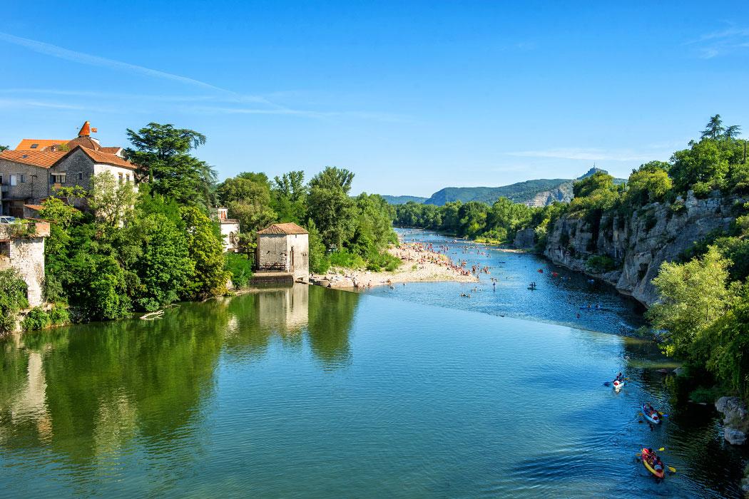 Camping Domaine de Chaussy 5* à Lagorce en Ardèche