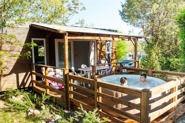 Camping Le Petit Bois 3* à Ruoms en Ardèche