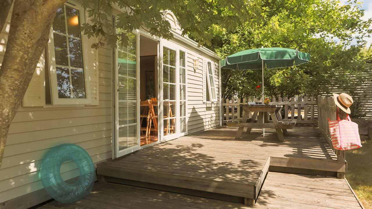 Camping Le Village Western 4* à Hourtin en Gironde