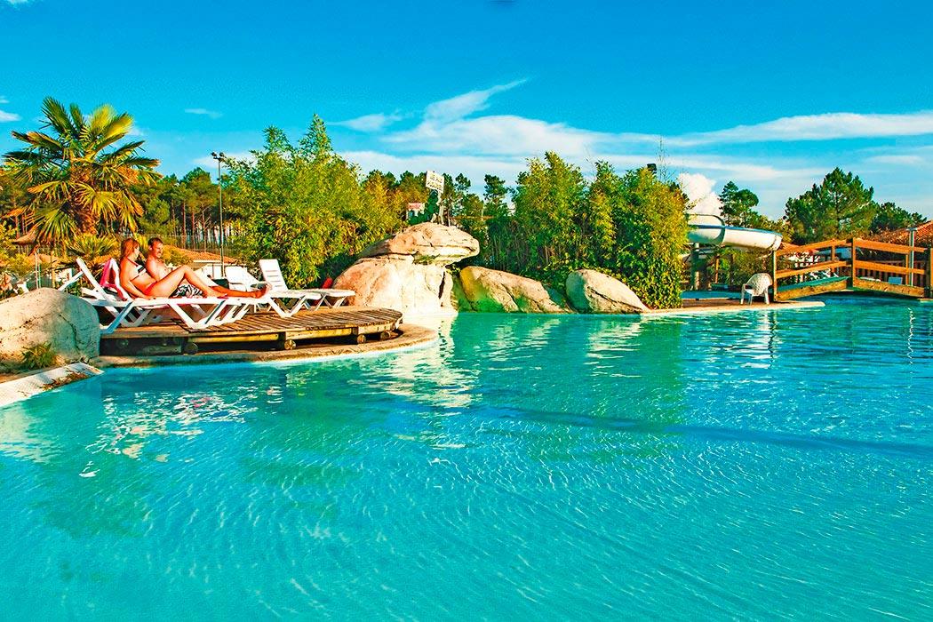 Camping Les Vignes 5* avec piscine à Lit et Mixe dans les Landes