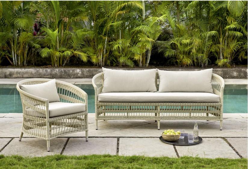 Canapé de jardin 3 places Mahowi en résine beige - Maisons du Monde