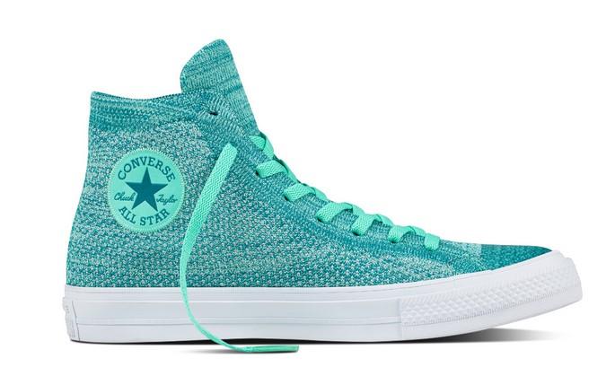sale retailer 46b1b 04e62 Converse Chuck Taylor All Star x Nike Flyknit - Baskets Femme Converse  ( Mode) ... tandis que la semelle intérieure Nike Lunarlon offre l amorti que  vous ...