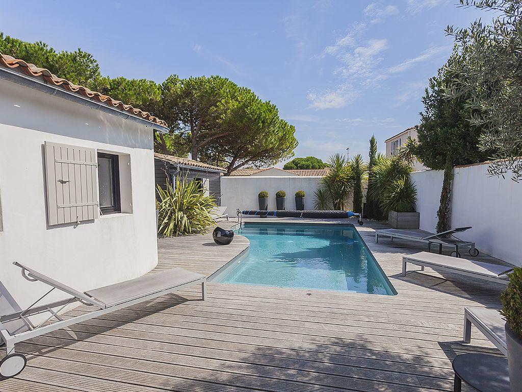Abritel Location Flotte en Ré - Villa de charme avec piscine chauffée