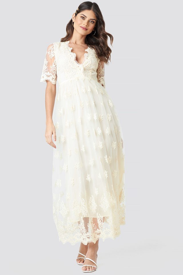 Robe longue en dentelle délicate à fleurs blanche NA-KD Party