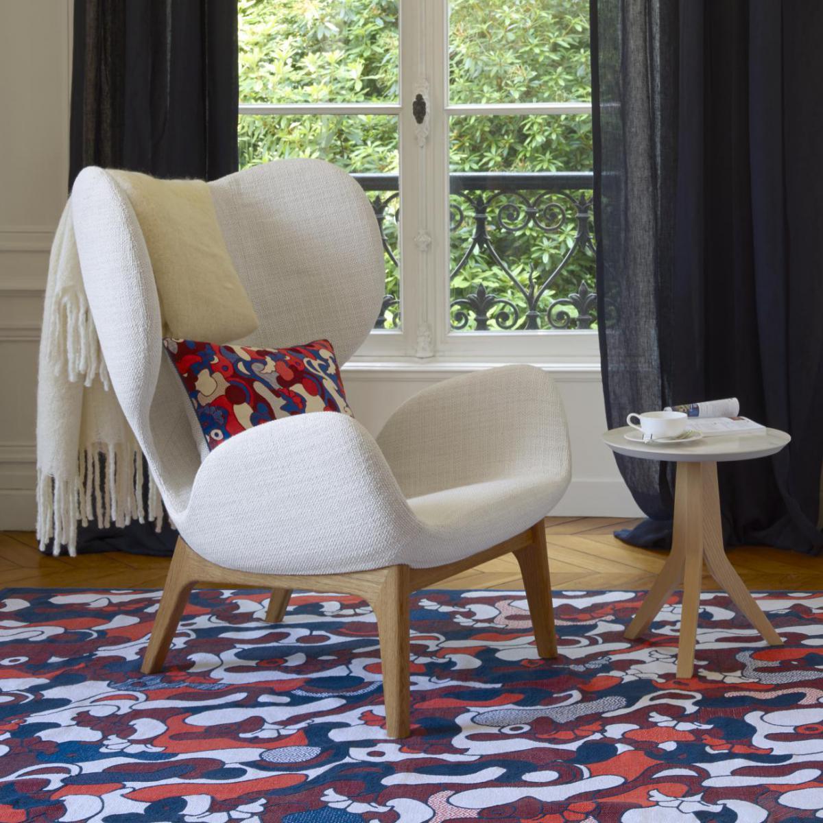 victorine fauteuil en tissu fasoli snow white habitat. Black Bedroom Furniture Sets. Home Design Ideas