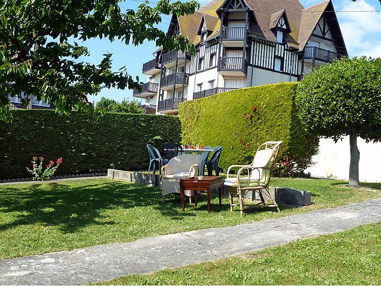 Maison de vacances Léon Tellier - Deauville-Trouville Interhome