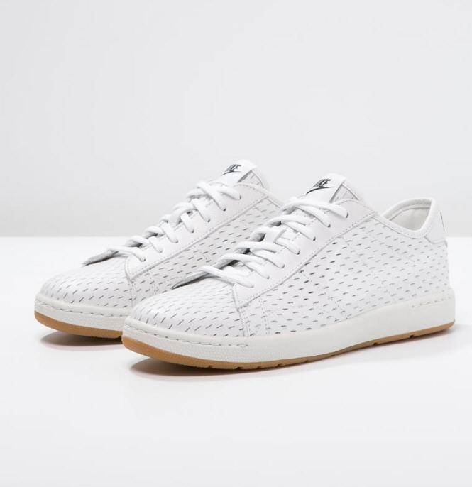 pretty nice 0afb9 a7676 Nike Sportswear TENNIS CLASSIC ULTRA Baskets basses white, Baskets Femme  Zalando  (Mode)  Zalando Nike Sportswear TENNIS CLASSIC ULTRA Baskets basses  white ...