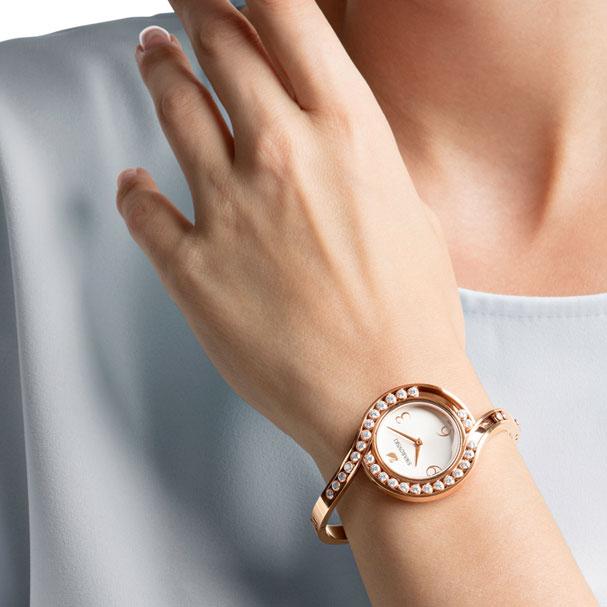 Montre Lovely Crystals Bangle Swarovski Bracelet en métal blanc or Rose
